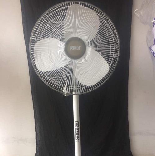 18  Pedestal Fan