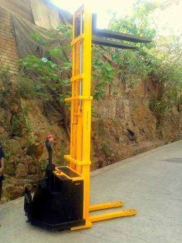 Electric Battery Operated Stacker