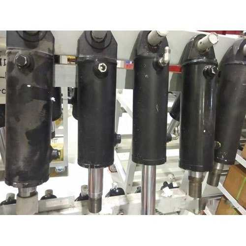 Tilt Cylinders