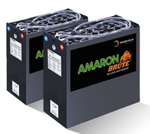 Traction Battery With Charger